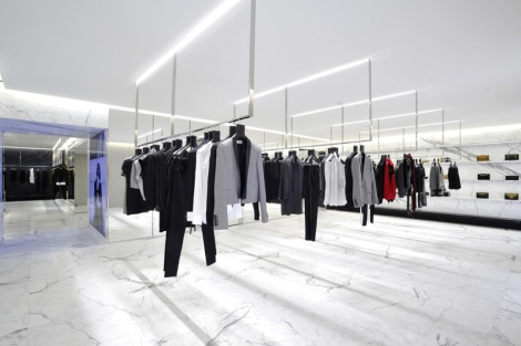 saint-laurents-avenue-montaigne-paris-flagship-boutique-1-1
