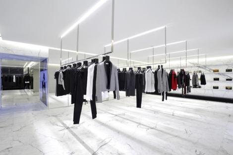 saint-laurents-avenue-montaigne-paris-flagship-boutique-1-1