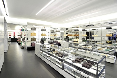 saint-laurents-avenue-montaigne-paris-flagship-boutique-3