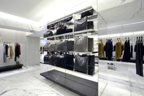 saint-laurents-avenue-montaigne-paris-flagship-boutique-6