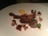 2013 Pichón asado y cebolla con careta ibérica, jugo de jengibre y alcaparra