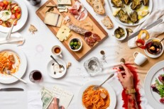 """""""Al Dente,"""" an Italian lunch bloodied by a mob shootout."""